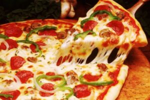 comidas tipicas italianas pizza